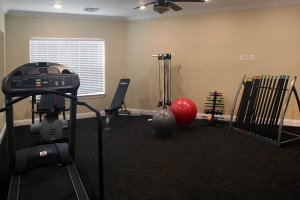 Anthem-Lakes-Assisted-Living-Fitness-Center.jpg